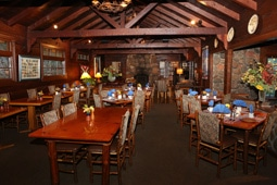 Dining at Garland's Oak Creek Lodge